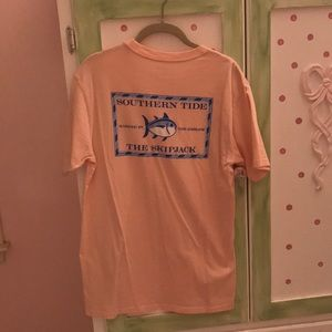 "Southern Tide ""The Skipjack"" tee size small"